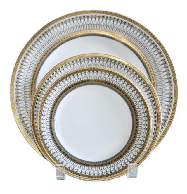 Where to find PLATE.10.25  IRIANA GOLD DINNER in Poughkeepsie