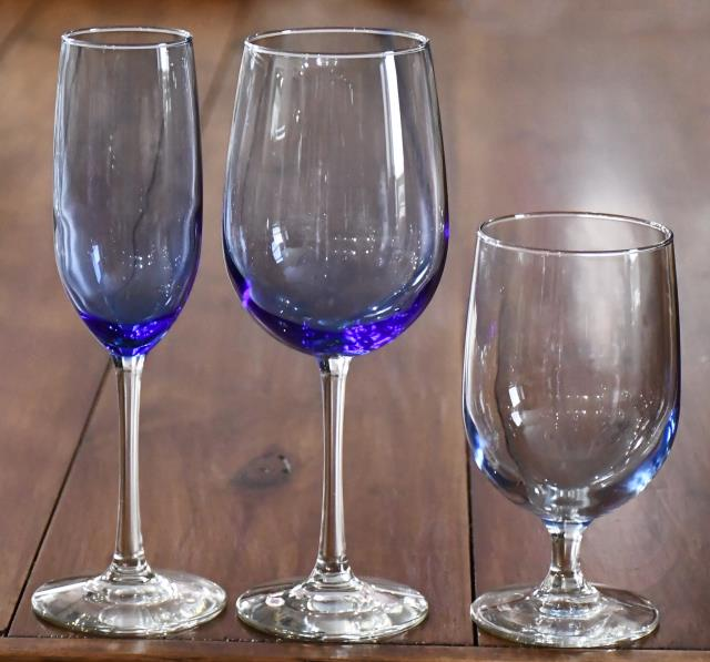 Where to find GLASS,VINTAGE BLUE18OZ WINE in Poughkeepsie